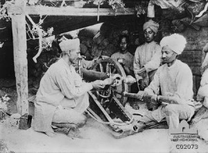 Indian_10_pounder_mountain_gun_and_crew_Gallipoli_AWM_C02073