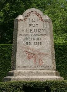 Monument_-_Fleury_devant_Douaumont_-_Detruit_en_1916_-_Version_juin_2007
